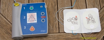 Automatic External Defibrillator (AED) Instructor